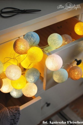10 kul Sunny Turquoise White Cotton Ball Lights