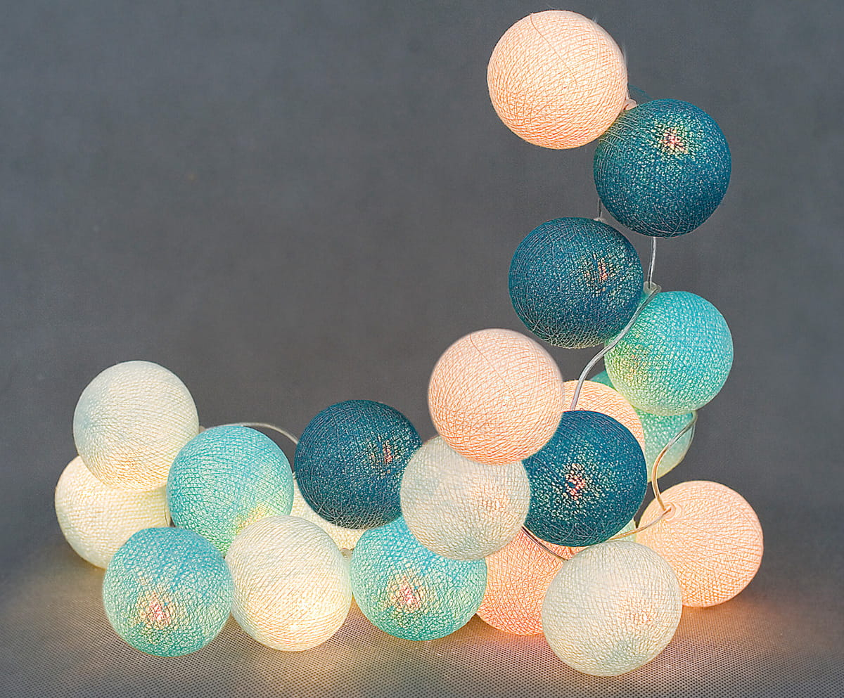 35 kul Gentle Breeze Cotton Ball Lights