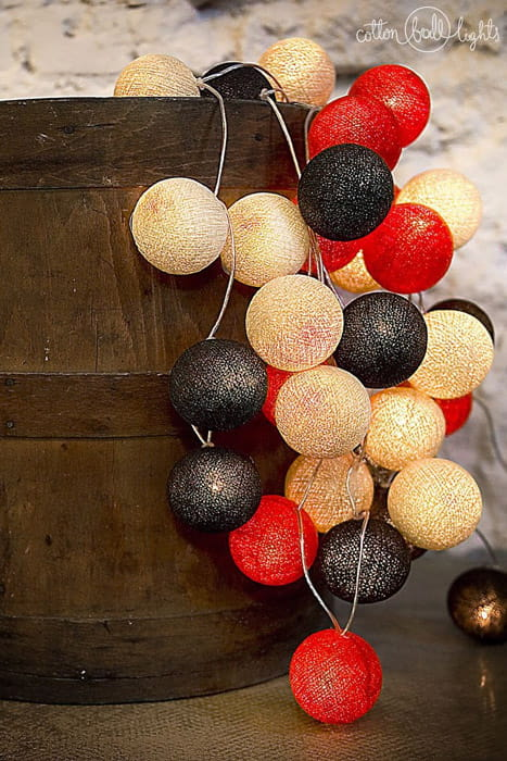 35 kul Warm Red Cotton Ball Lights